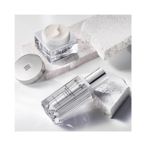 Hera-Melasolv-Program-Brightening-Crean-50ml-texture-mykbeauty